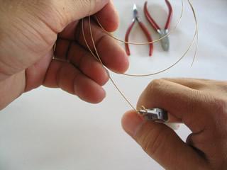 twisting gold wire